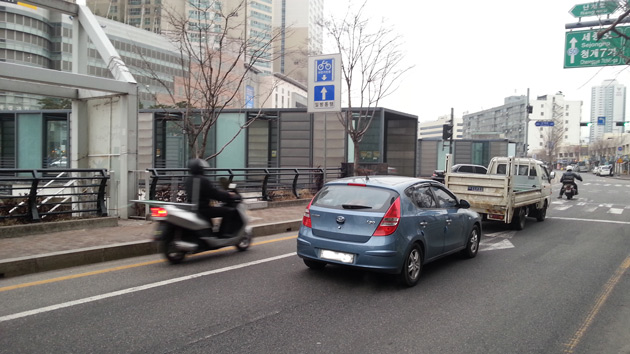 cheonggyecheon bike lane
