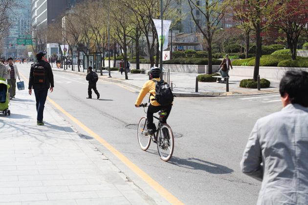 Bike Path Cheonggyecheon