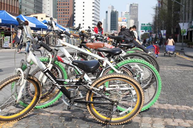 Bicycle Cheonggyecheon