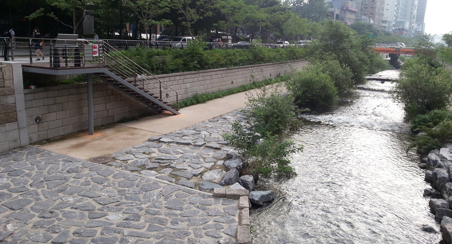 Cheonggyecheon Stream 청계천