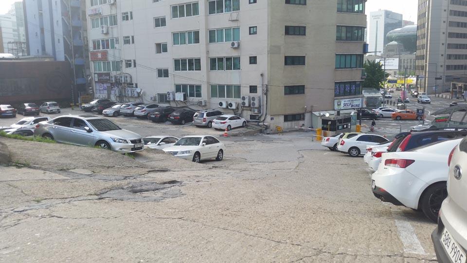 Sogang Parking Lot