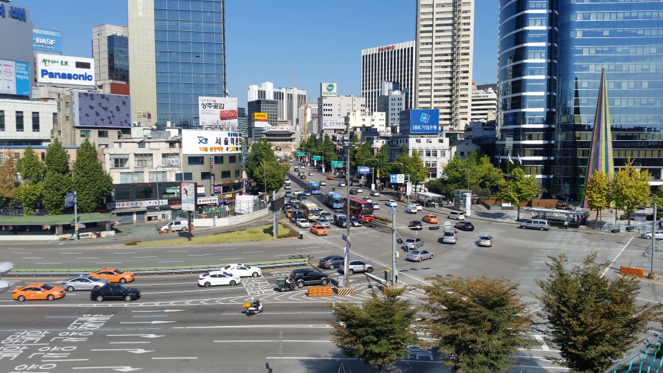 Seoul Station Overpass Traffic