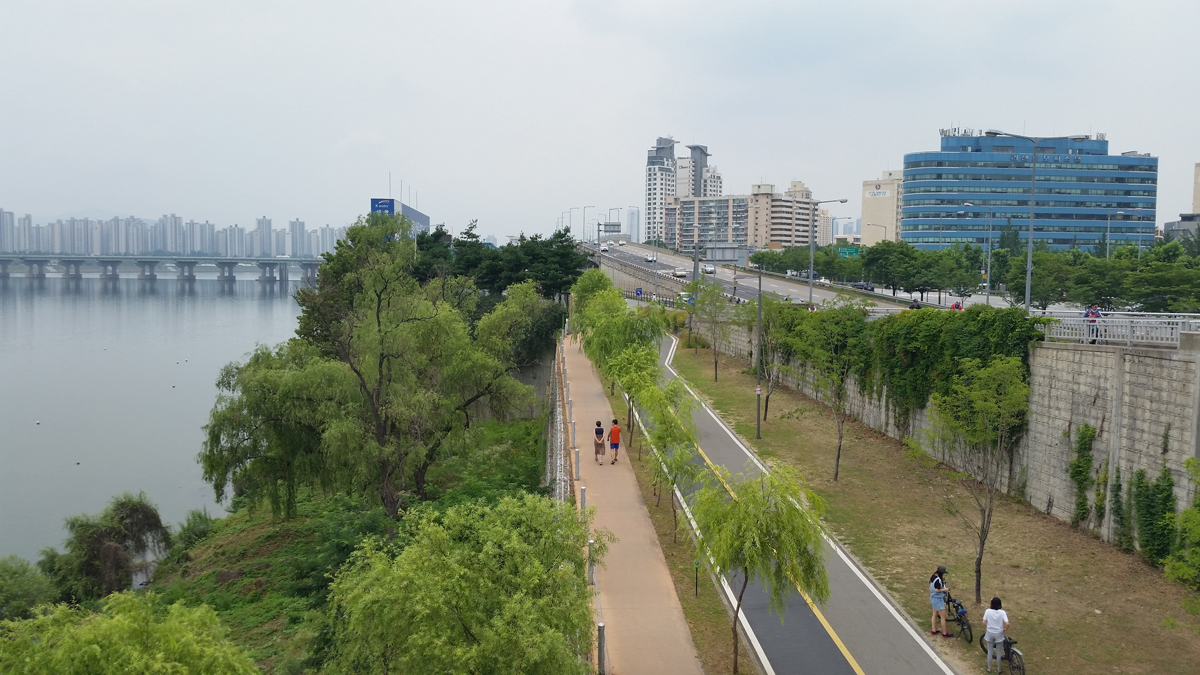 Hangang bicycle path